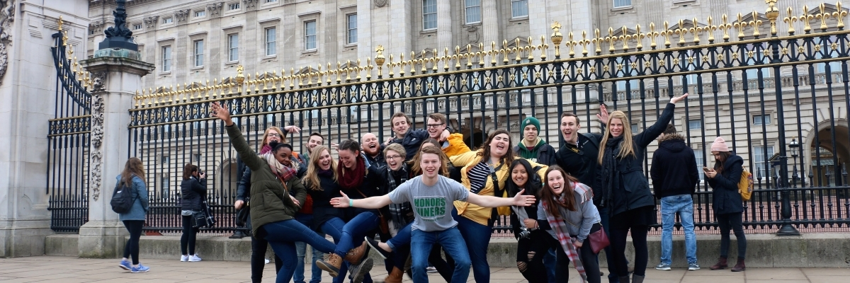 Honors Niners Abroad in London